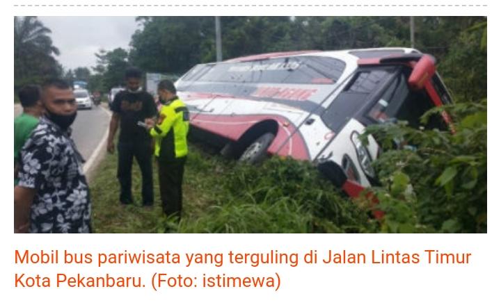 Tim Cyber18 Gemantara Raya Turun Evakuasi Bus Pariwisata Di Jalan Lintas Timur Tenayan Raya