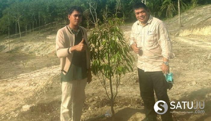 Kadis LHK Riau Singgah ke Agro-Wisata Durian Musangking RR FARM di Pematang Semut