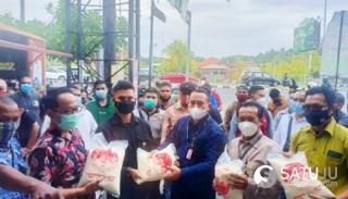 Peduli Melalui Berbagi, FBN Bali Rangkul Perkumpulan INTI Bagikan 150 Karung Beras