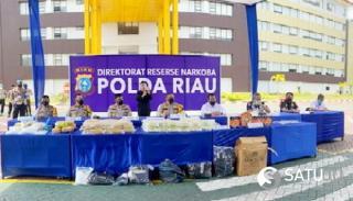 Polda Riau dan BC Ungkap 117 Kilo, 1000 Butir Ekstacy